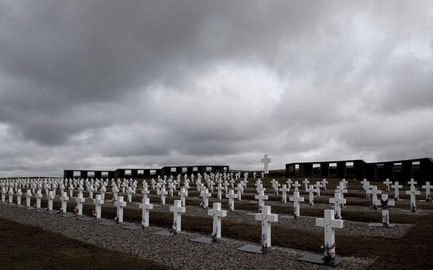 argentine-cemetery_2178777k